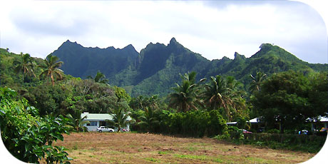 >>> Jagged mountain backdrop from Turangi / photo © cookislands.com