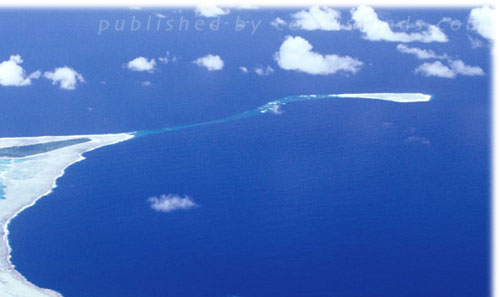 there is 664 people living on this atoll island